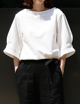 out of stock  Boat neck wide sleeves(white) women