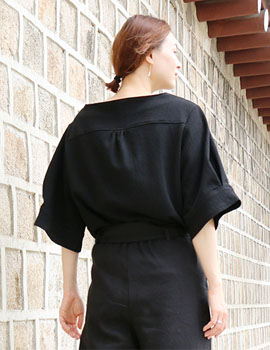 out of stock Boat neck wide sleeves(black) women